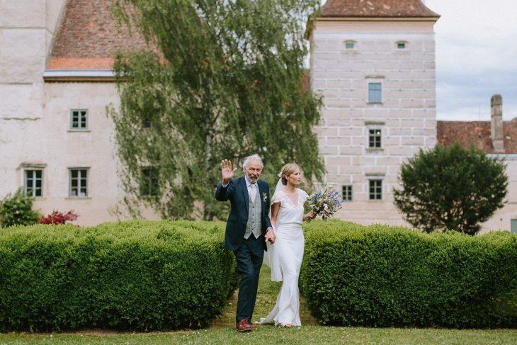 schloss walpersdorf wedding photographer