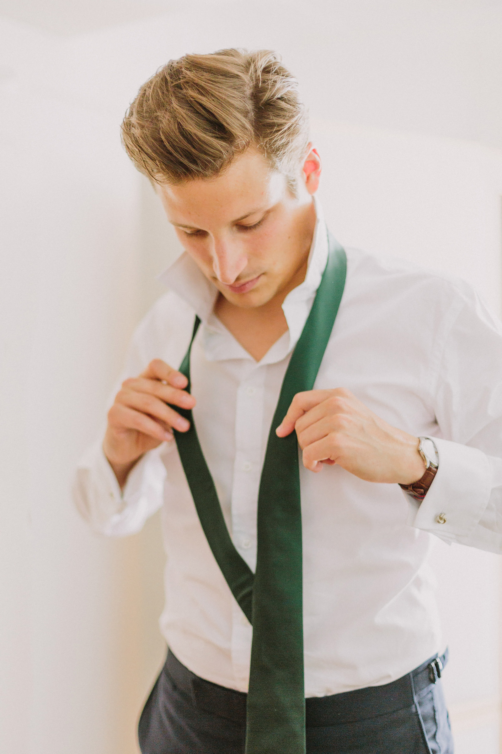groom getting ready munich