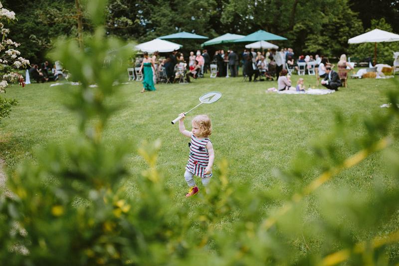 relaxed garden wedding austria