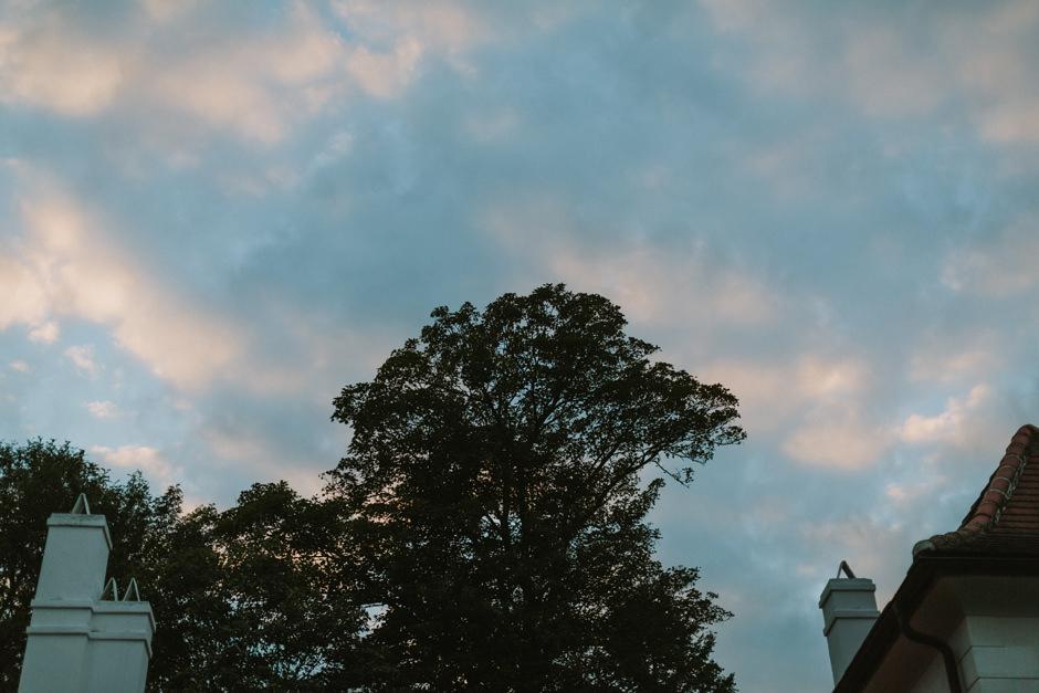 schloss nikitsch blue sky