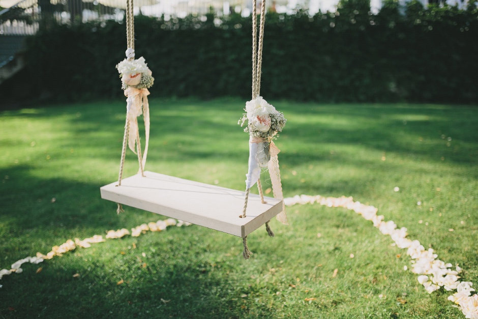 wedding swing vintage look