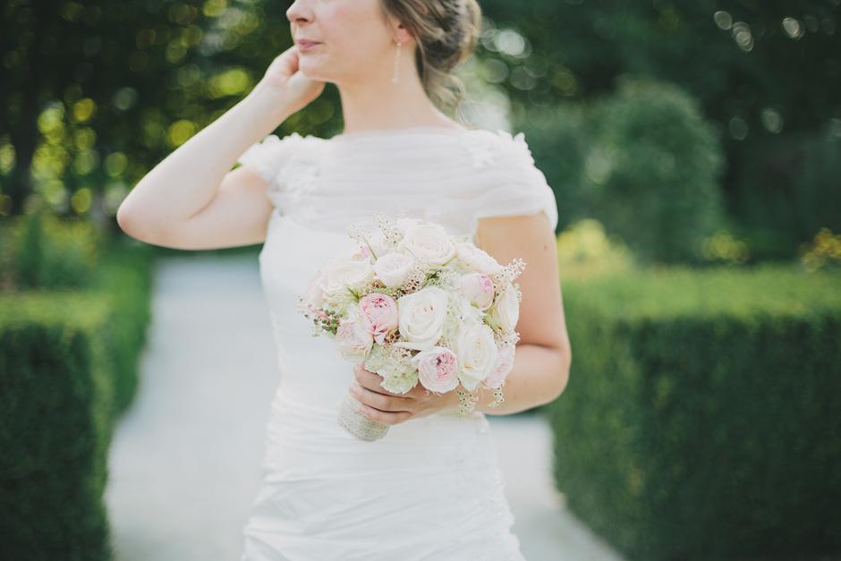 beautiful bride schloss herberstein